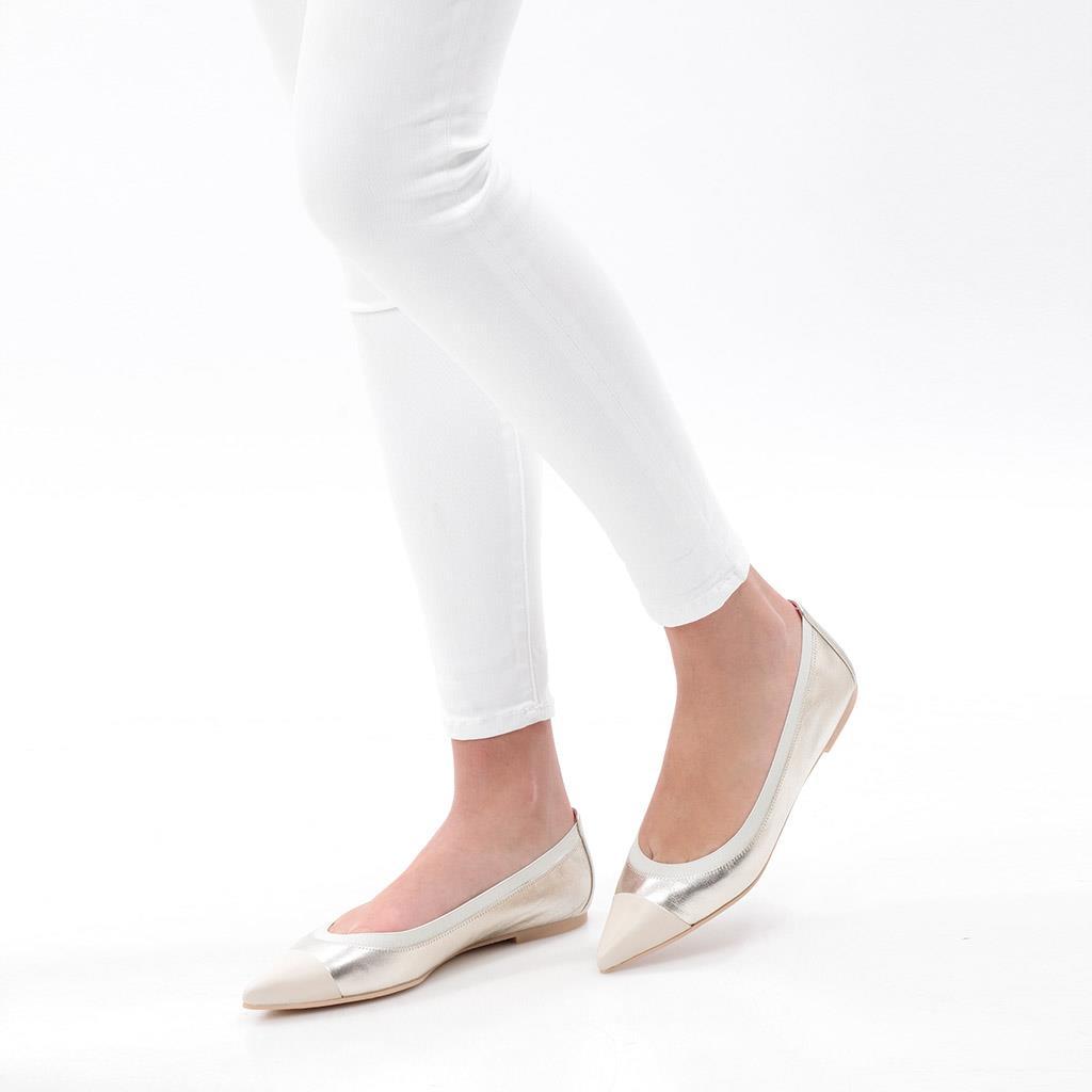Sabena|לבן|זהב|נעלי בובה|נעלי בלרינה|נעליים שטוחות|נעליים נוחות|ballerinas