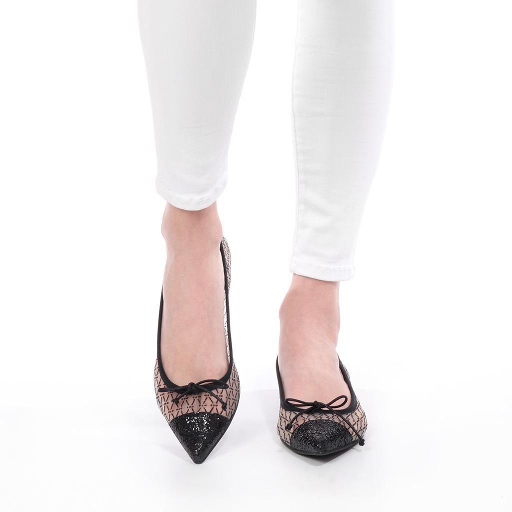 Ella|שחור|לבן|נעלי בובה|נעלי בלרינה|נעליים שטוחות|נעליים נוחות|ballerinas