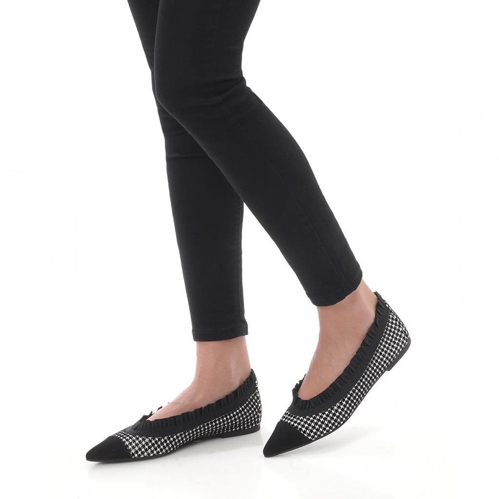Maggie|שחור|לבן|נעלי בובה|נעלי בלרינה|נעליים שטוחות|נעליים נוחות|ballerinas