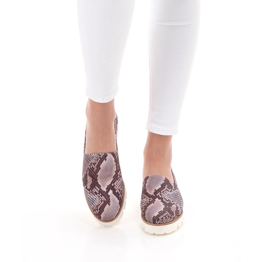 August|אפור|שחור|נעלי בובה|נעלי בלרינה|נעליים שטוחות|נעלי פלטפורמה|ballerinas
